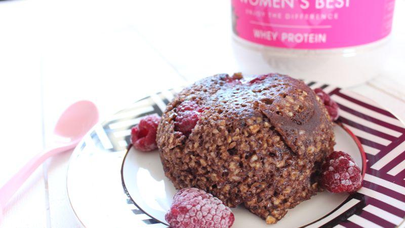 Le bowl cake aux protéines en poudre sont très facile à réaliser , la whey deviendra votre amie de votre petit déjeuner